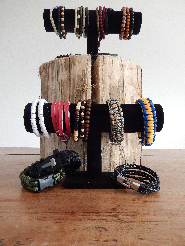 Een stoere foto van een deel van onze armbanden